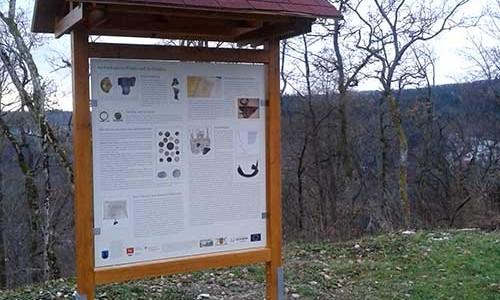 Schautafeln an der Ruine Falkenstein